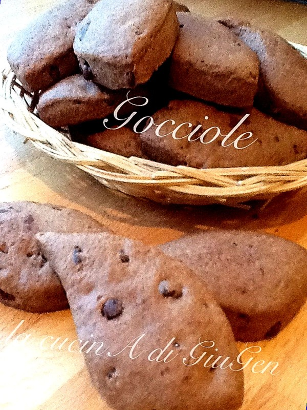 Gocciole di cioccolato fondente - Dark chocolate drop-shape cookies
