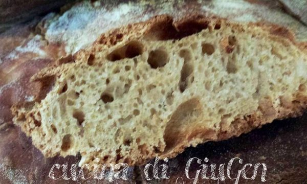 Pane integrale senza impasto cotto in pentola