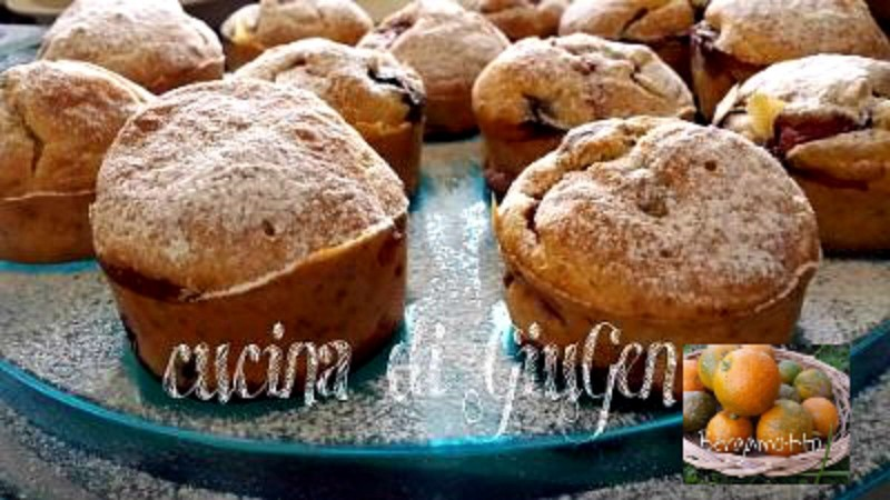 Muffins al bergamotto mirtilli e fragole